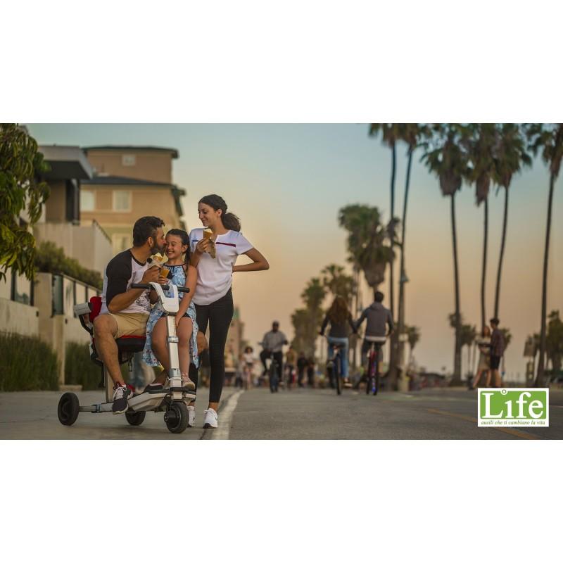 Scooter elettrico pieghevole ATTO per anziani e disabili