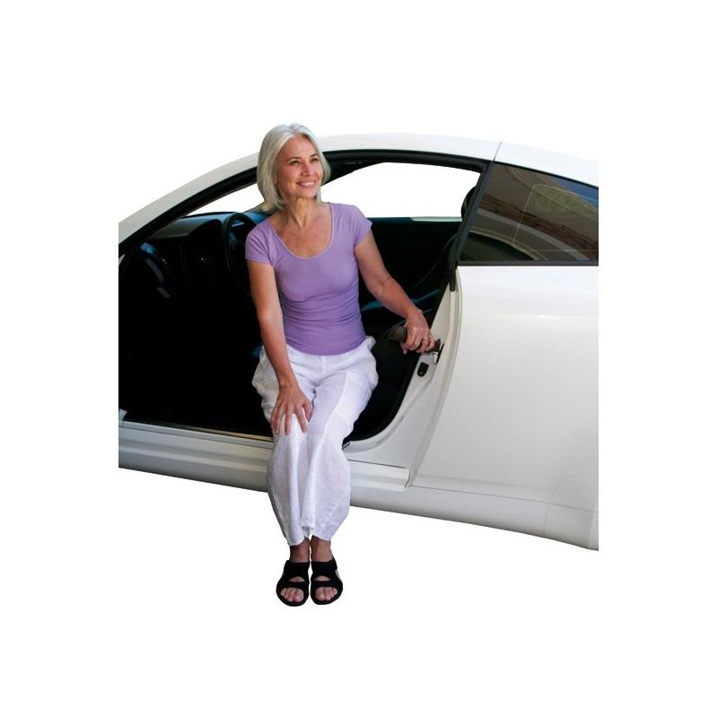 Komodo ausilio per entrare e uscire dall'auto